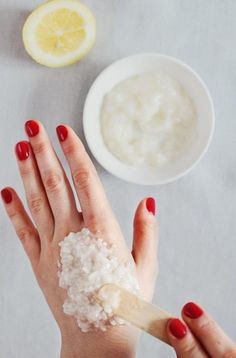 As a girl, I love to try any new and creative way to make myself beautiful. Here I'm glad to share you with some of my favorite simple and inexpensive beauty tips and hacks. This creative roundup will show you how to make your own beauty recipes, how to solve your skin problems with some …