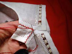 Nu-i asa ca e buna? A fost un week-end atat de frumos, sunt convinsa ca toata lumea si-a incarcat bateriile si acum ne pute. Folk Embroidery, Embroidery Patterns Free, Learn Embroidery, Embroidery Stitches, Embroidery Designs, Sewing Lessons, Beaded Cross Stitch, Antique Quilts, Cross Stitch Designs