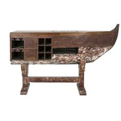 Nautical boat shaped desk or Home Bar Storage Drawers, Storage Spaces, Bar Design, Pub Bar, Boat Building, Bars For Home, Decoration, Liquor Cabinet, Shapes