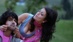 Kajal Agarwal Unseen Boobs Show Pics (1)