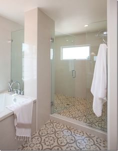 120 Stunning Bathroom Tile Shower Ideas 114 – Home Design Shower Floor Tile, Bathroom Floor Tiles, Bathroom Renos, Master Bathroom, Bathroom Ideas, Bathroom Remodeling, Wall Tiles, Master Shower, Bathroom Designs