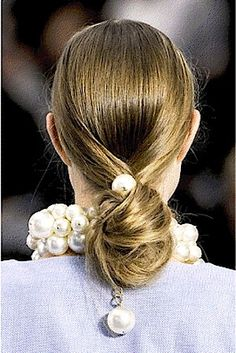 Summer 2014 Hairstyle Trends: Knotted Buns, Plaited Braids, Textured Waves And Hair Accessories #bstat