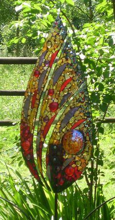 Red Fern Mosaic Artwork, Mirror Mosaic, Mosaic Glass, Mosaic Tiles, Fused Glass, Glass Art, Stained Glass Patterns Free, Mosaic Garden Art, Mosaic Madness