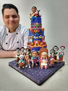 Such a beautiful Coco cake Pretty Cakes, Beautiful Cakes, Amazing Cakes, Disney Birthday, Baby Birthday, Coco Pixar, Bolo Tumblr, Movie Cakes, Gateaux Cake