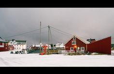 Henningsvær - Norway Travel, Lofoten, San Francisco Skyline, Adventure Travel, Cabin, Island, Architecture, House Styles, Beautiful