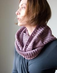 Lovely knit cowl or neckwarmer by Tricksy  Knitter. Free.