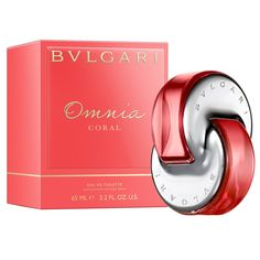 Allow your sophisticated side to shine through by wearing this great-smelling eau de toilette spray for women. This Bvlgari Omnia Coral spray features a bold blend of fiery notes, including water lily, cedar wood, hibiscus flower, and bergamot.