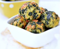 Sajtos spenótgolyók Spinach Balls, Okra, Vegetable Recipes, Cheddar, Mozzarella, Potato Salad, Muffin, Favorite Recipes, Vegetables