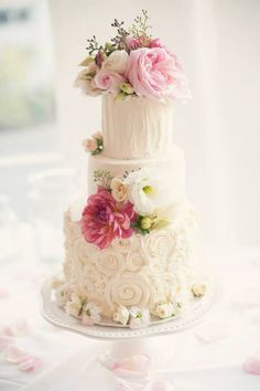 White Daily Wedding Cake Inspiration