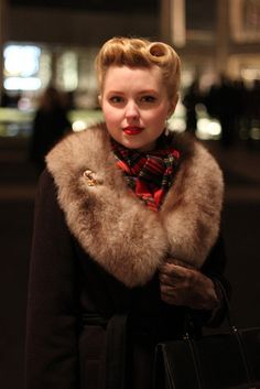 At Lincoln Center to see The Nutcracker Vintage Winter, Vintage Coat, Style Vintage, Mode Vintage, Vintage Bohemian, Vintage Girls, Vintage Beauty, Vintage Looks, Vintage Outfits
