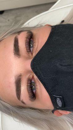Natural Fake Eyelashes, Perfect Eyelashes, Best Lashes, Eyelash Extensions Classic, Beauty Routine Tips, Eyelash Technician, Eyelash Tips, Makeup Makeover, Black Girl Makeup