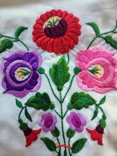 Rita Barton: Detail of my wedding shawl