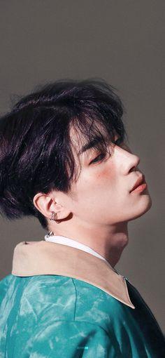 Victon Kpop, Gif Background, Kpop Backgrounds, Kpop Gifs, Male Makeup, Cha Eun Woo, Emo Boys, Aesthetic Collage, Famous Men