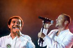 Diogo Nogueira and his father Joao Nogueira. Love Samba, love them!