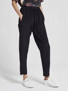 Silk Crepe, Monochrome, Parachute Pants, Sweatpants, Model, How To Wear, Black, Style, Fashion