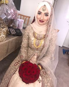 New bridal dresses muslim hijab bride ideas Hijabi Wedding, Pakistani Wedding Outfits, Muslim Brides, Pakistani Wedding Dresses, Bridal Outfits, Muslim Couples, Indian Muslim Bride, Muslim Girls, Dress Wedding
