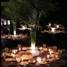 Love these centerpieces! They go perfect with my cuban/Havana nights theme.