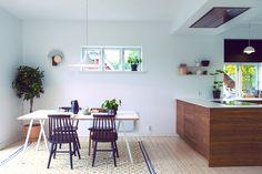 Ask og Eng bambuskjøkken Cocina Office, Dining Bench, Kitchen Design, Ikea, Interior Design, House, Furniture, Home Decor, Handmade
