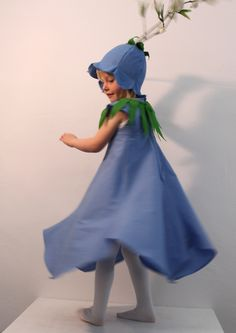 Glockenblumenelfe       Zwei in Einem: Kostüm und Sommerkleid.  Glockenblumenkleid mit dazugehörigem Blätt...