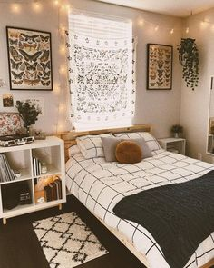 Cute Bedroom Ideas, Room Ideas Bedroom, Bedroom Designs, Bedroom Inspo, Small Bedroom Ideas On A Budget, Decor Room, Small Bedroom Layouts, Square Bedroom Ideas, Teen Bedroom Layout