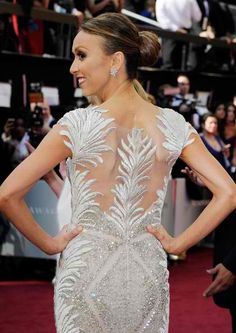 """Although living with scoliosis was tough, it made me stronger and pushed me towards attaining my dreams. I believe your flaws help mould your personality and determination,"" - Giuliana Rancic"