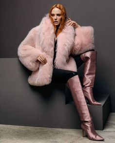 Fur Fashion, Womens Fashion, Fox Fur, Red Hair, Leather Boots, Fur Coat, Sexy, How To Wear, Jackets