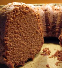 Granny's Chocolate Pound Cake My Granny Ola had a gift for cake baking. Every Saturday evening during my childhood and youth, we would go to Granny and Papa's house to visit for a couple of hours. We would all watch Hee H… Loaf Cake, Pie Cake, No Bake Cake, Cupcakes, Cupcake Cakes, Köstliche Desserts, Dessert Recipes, Plated Desserts, Chocolate Pound Cake