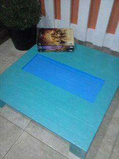 Mesa de centro - 0,60 x 0,60 ( cor :Turquesa Intensa com Azul Safira )