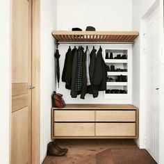Hat Rack Ideas - Rather of throwing your hats in the corner of the coat closet, build yourself a hat rack to organize and show them nicely. Shoe Rack Plans, Industrial Shoe Rack, Made To Measure Furniture, Wardrobe Furniture, Rack Design, Danish Design, Elle Decor, Vintage Furniture, Decorating Your Home