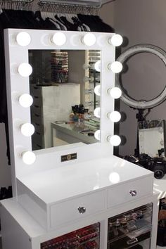 How To Make A Vanity Mirror With Lights Delectable Diy Vanity Mirror With Lights For Bathroom And Makeup Station