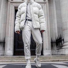 """좋아요 4,022개, 댓글 19개 - Instagram의 Streetwear Inspiration(@minimalarchive)님: """"@soy_raka"""""""