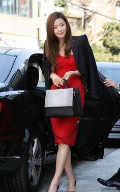 Gianna jun - I need this red dress.