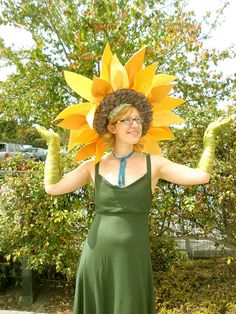 Sunflower Costume | Flickr - Photo Sharing! Love this headdress.
