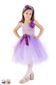 Rochita Viorea sau rochita Violeta  poate fi raspunsul perfect la una din cautarile dvs: rochita serbare flori , rochite viorele, costum serbare flori, rochita flori serbare, rochita violeta fetite , rochita floare violet, rochita violet, rochita flori primavara.