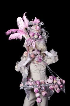 The Cake Canapé Lady - Stilt Walker