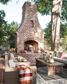 Awesome Outdoor Fireplace Decor 39 The Best Backyard Fireplace Design That You Must Have outdoor Outdoor Fireplace Patio, Outdoor Fireplace Designs, Outdoor Fireplaces, Fireplace On Porch, Stone Fireplaces, Fireplace Remodel, Fireplace Ideas, Outdoor Living Rooms, Outdoor Spaces