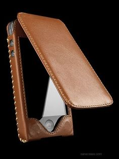 Feb 3, 2019 - You cannot go wrong with this iPhone case from Sena. Leather Belt Pouch, Leather Bag Pattern, Leather Armor, Leather Hats, Leather Tooling, Leather Craft, Leather Handbags, Crea Cuir, Leather Cell Phone Cases