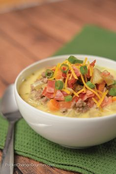 Warm up with this All American Cheeseburger Soup! A simple recipe that will WOW your family! Are you needing to warm up on these cold winter nights? Healthy Comfort Food, Best Comfort Food, Healthy Soup, Comfort Foods, Healthy Tips, Edamame, Sandwiches, Cheese Burger Soup Recipes, Cheeseburger Soup