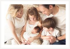 Newborn with Mom, Dad, Big Brother and Sister - Natural Light Baby Photographer - Estela Giargei Photography