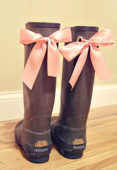A touch of Girly to mud boots lol - 2019 Mud Boots, Do It Yourself Fashion, Sexy Boots, Diy Clothing, Refashion, Diy Fashion, Rubber Rain Boots, My Style, Cute