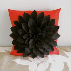 Felt Chrysanthemum Pillow Tutorial {Decorative Pillows}
