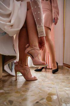 """Teresa nos encargó sus personalizadas a su gusto. Bridal Shoes, Wedding Shoes, Modest Wedding Dresses, Bridesmaid Dresses, Ballet Shoes, Dance Shoes, Wedding Honeymoons, Walk This Way, Prom Shoes"