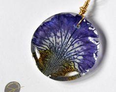 Resin Pendant: Pressed flower jewelry, Resin jewelry, dried flowers, real flower jewelry