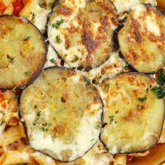 Szicíliai rakott spagetti padlizsánnal  GM spagettivel Zucchini, Mashed Potatoes, Food And Drink, Vegetables, Spagetti, Breakfast, Ethnic Recipes, Landscaping, Ideas