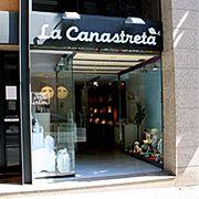 La Canastreta (Barcelona) la mejor tienda para comprar ropa de bebe y niños hasta los 6 años!!!  Altamente recomendable!!