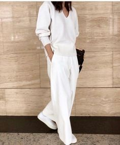 40db19cd8ed1 44 Best White wide leg trousers images in 2019