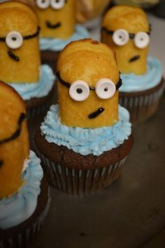 Despicable Me Minon Cupcakes! Made with twinkies, smarties, and decorating gel.
