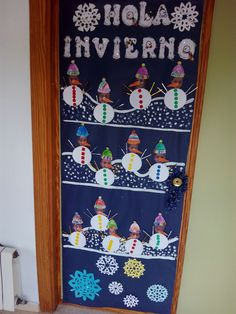 puertas invierno - Buscar con Google Christmas Door, Christmas Crafts, Christmas Decorations, Holiday Decor, Classroom Door, School Art Projects, Summer Crafts, Preschool Crafts, Google