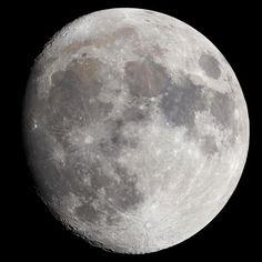 Super LUNA: 14 Novembre 2016  Sarà la Luna più grande e luminosa da 68 anni a questa parte By Relax in Piazzetta Home holidays on the lake near Roma http://www.booking.com/hotel/it/casa-vacanze-relax-in-piazzetta.de.html  #luna