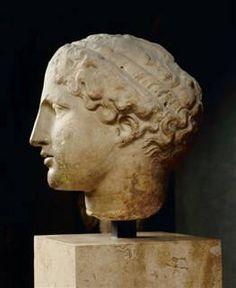 432         Tete d'Iris    from Parthenon, Athens                Louvre, Paris